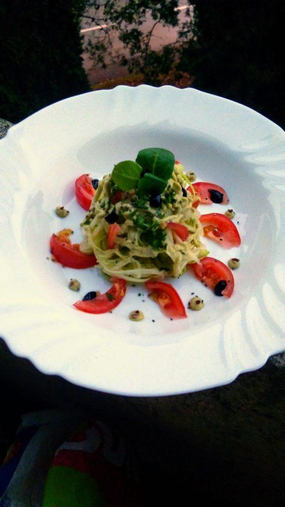 spagete od tikvica s rajcicom