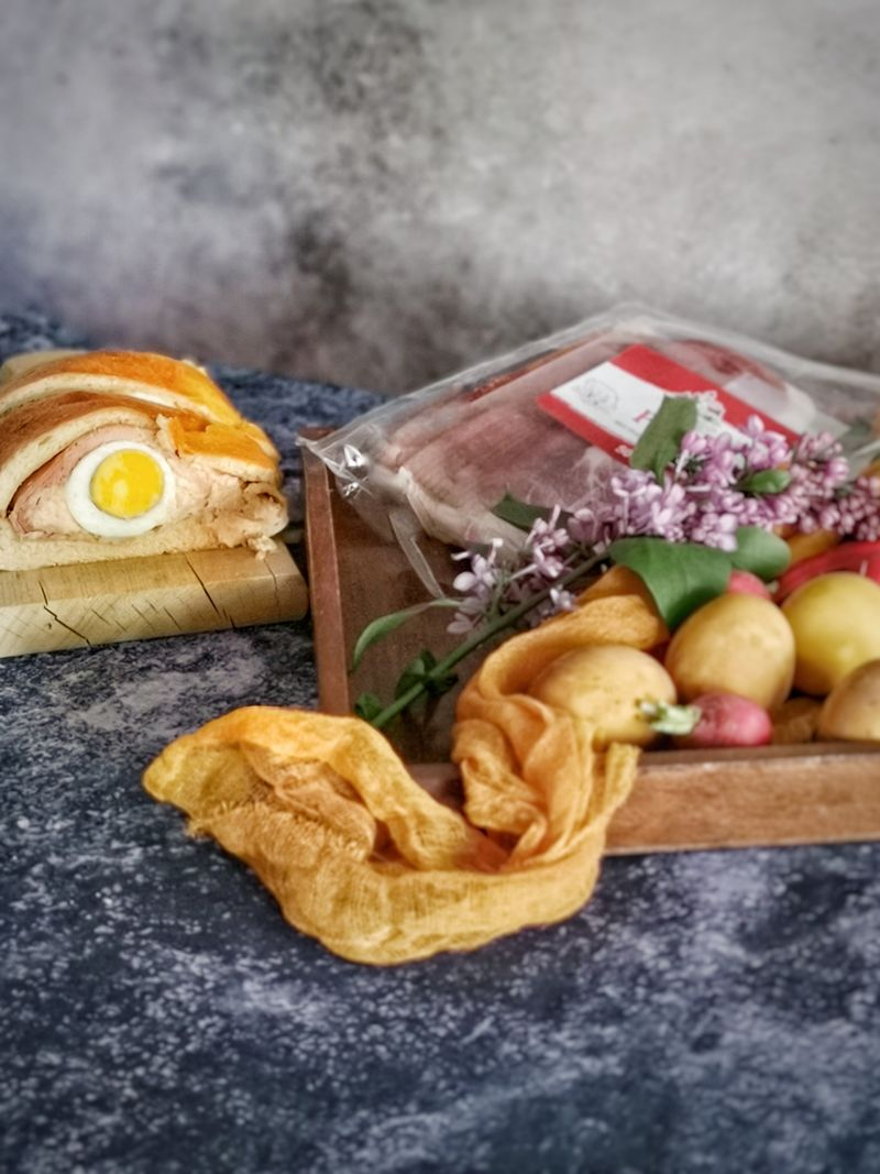 uskrsna šunka u kruhu